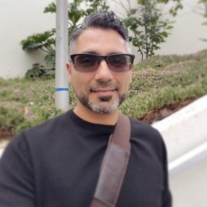 Dr. Emilio Ulloa